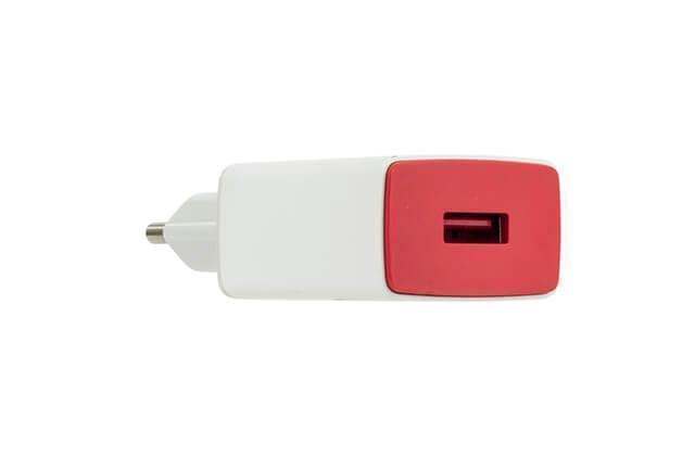 Сетевое зарядное устройство USB 5W 2A (тех. упаковка) red/white